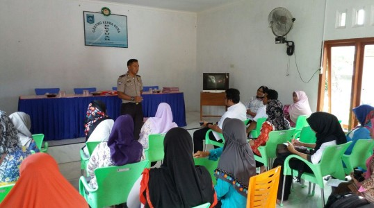 Cegah KDRT, Kanit Binmas Polsek Simpang Katis Berikan Penyuluhan