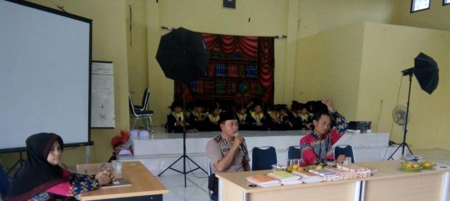 TPA Nurul Salam Polsek Lubuk Besar gelar pembagian raport dan wisuda