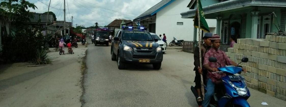 Dengan Mobil Dinas Polsek, Petugas PSDM Antar Jenazah Alm. Suwandi  Menuju Taman Murni Kampung Balar