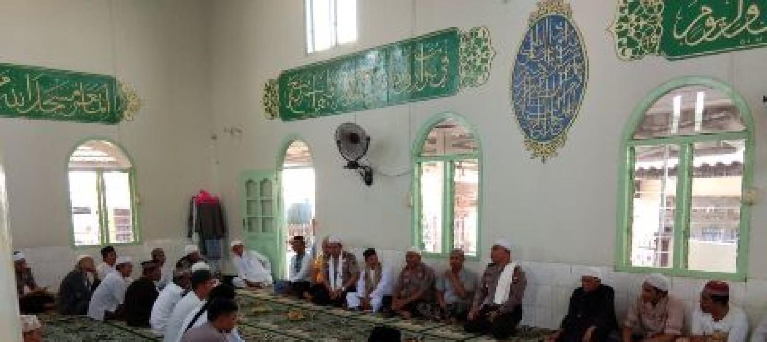 Safari Jumat Barokah Polres Bateng Ke Masjid Baiturahman Desa Kurau