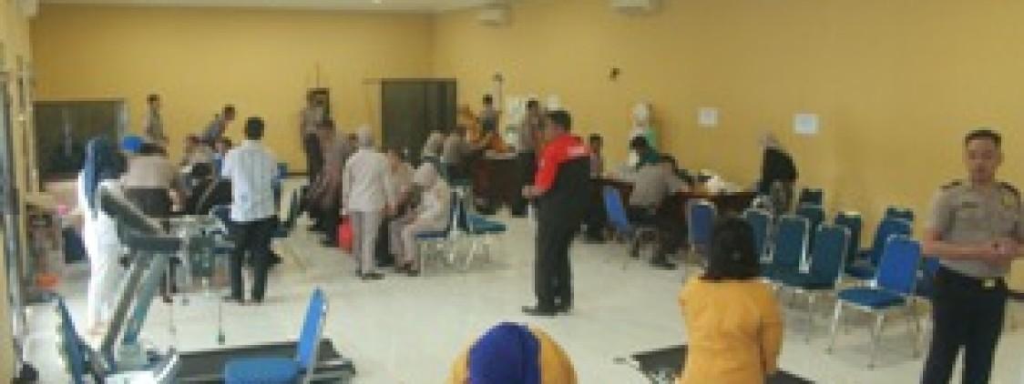 Personil Polres Bateng Jalani Pemeriksaan Kesehatan