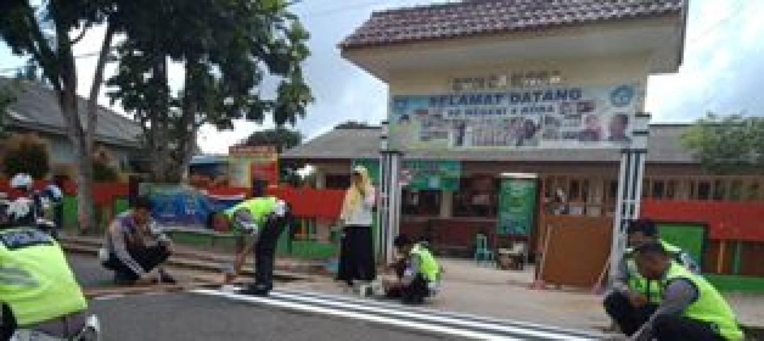 Police Go To School, Kasat Lantas Ajak Siswa SD N 4 Koba Tertib Berlalulintas