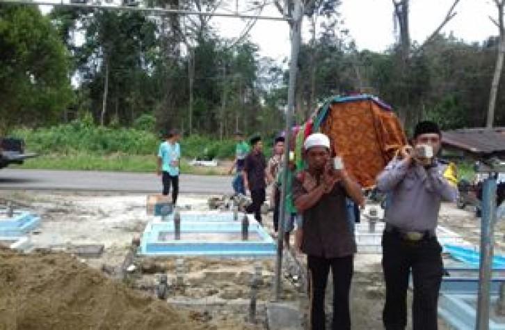 Bhabinkamtibmas Sungai Selan Atas laksanakan Sambang duka