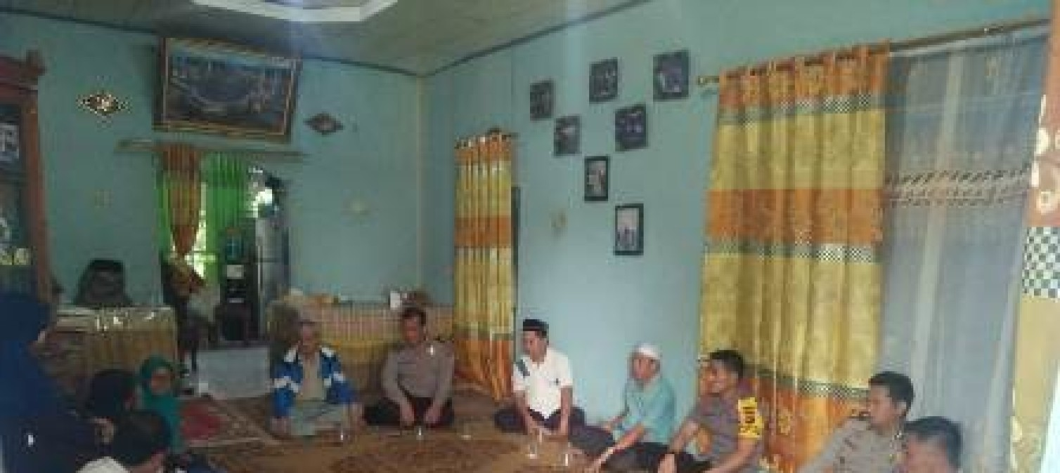 Kapolres Bateng Sambangi Keluarga Korban Lion air JT610 di kecamatan koba
