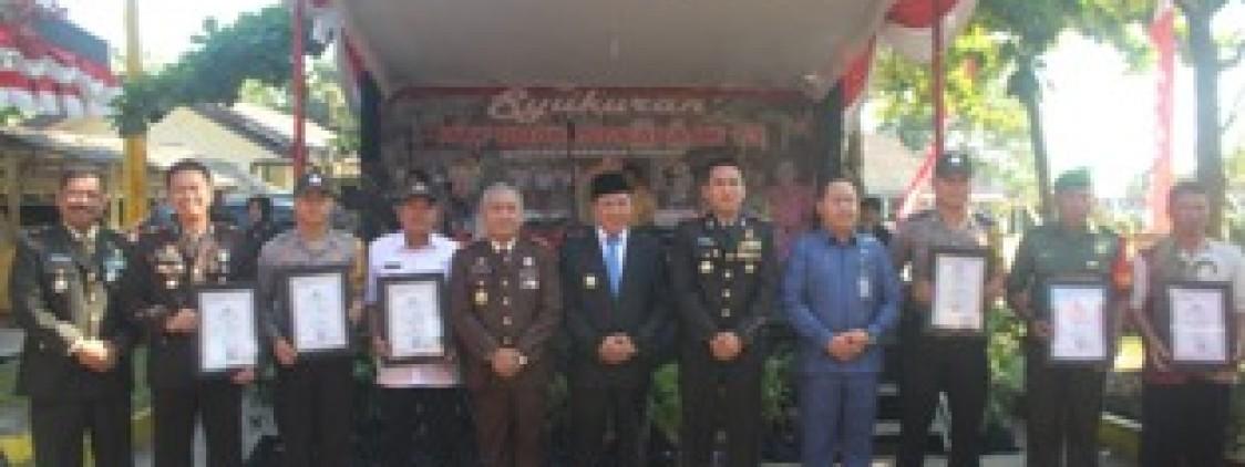 Syukuran Hut Bhayangkara ke 73 Polres Bangka tengah Berikan Penghargaan Kepada Pemenang Lomba
