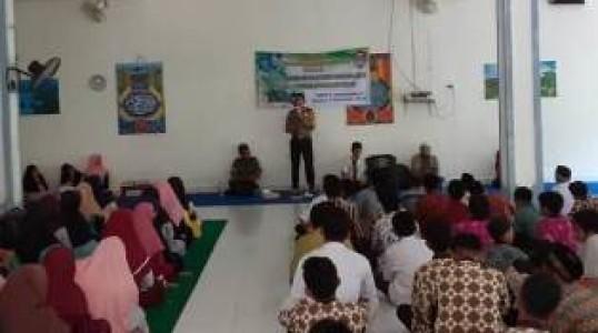 Bhabinkamtibmas Desa simpang Katis Hadir Pada Maulid Nabi Muhammad SAW yang Digelar Oleh SMP N 1 Simpang Katis