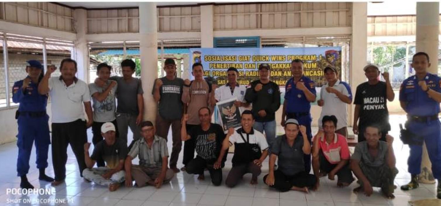 Sat Polair Polres bangka tengah berikan pemahaman Organisasi Radikal pada kelompok Nelayan