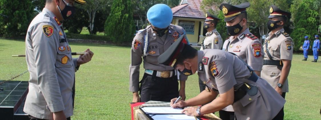 Kapolres Pimpin Upacara Sertijab 4 Perwira Polres Bateng