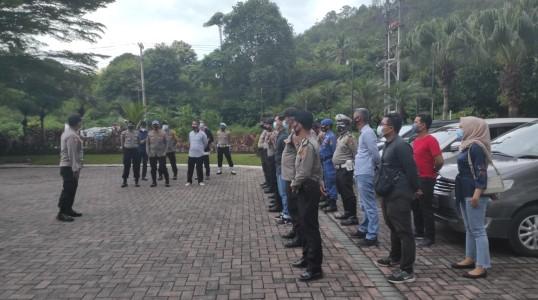 Polres Bangka Tengah kerahkan puluhan personil dalam kegiatan Debat Kandidat Calon Bupati dan Wakil Bupati