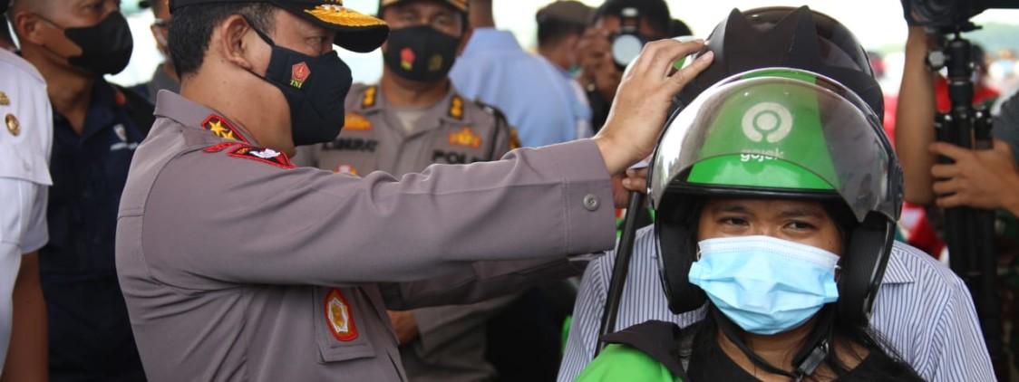 Kapolri dan Panglima Berharap Vaksinasi Drive Thru di Medan Jadi Role Model Wilayah Lain