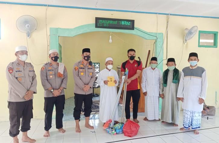 Safari Jumat Barokah, Kapolres Bateng  Imbau Warga untuk selalu mematuhi prokes covid-19