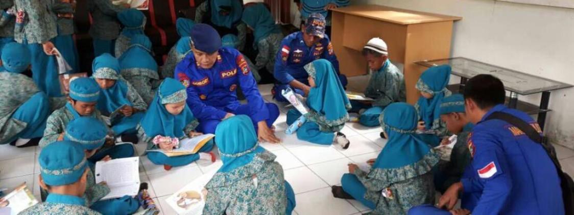 Luncurkan program PINTAR Satpolair Polres Bangka Tengah, Masyarakat Pulau dan Pesisir Kini Bisa Baca Buku Bagus