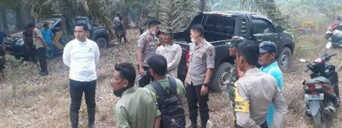 AKBP. Slamet Tinjau Langsung Pemadaman Api di desa Tanjung Pura