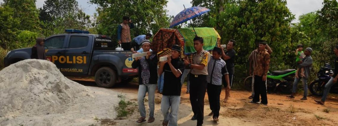 Polsek sungai selan Berikan layanan PSDM Kepada Warga Desa sungai selan