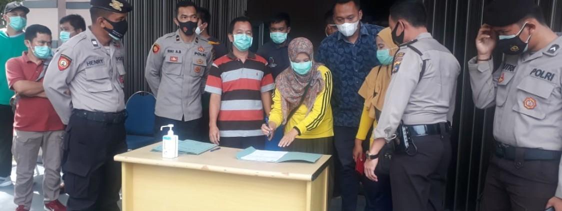 Personel Polres Bateng Kawal Pendistribusian Vaksin Covid-19 ke Puskesmas Se Kab.Bateng