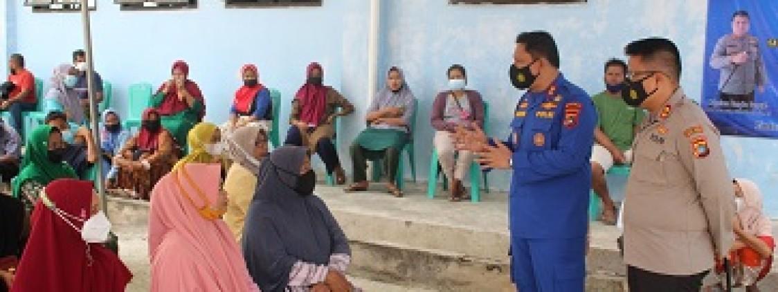 Direktorat Polairud Polda Babel Bersama Polres Bateng Dan RSUD Bateng Vaksinasi Nelayan Kurau